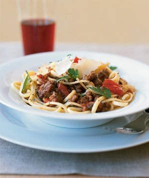 linguine-red-wine-bolognese-sauce