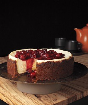 ginger-snap-cherry-cheesecake