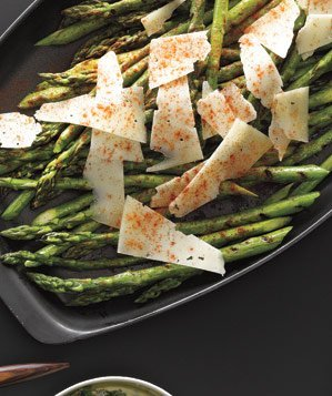 grilled-asparagus-with-manchego