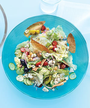 greek-salad-pita-chips