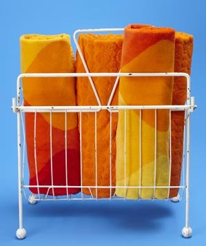 metal-magazine-rack-towel-holder