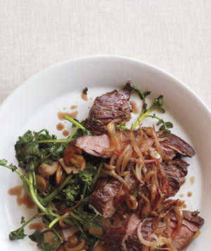 skirt-steak-shallots-watercress