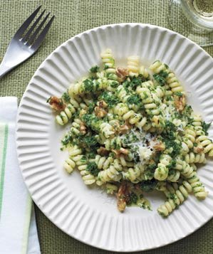 pasta-kale-walnut-pesto-1