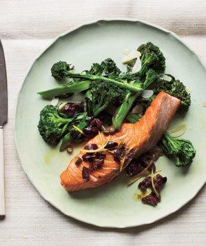 salmon-olive-broccolini