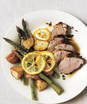 pork-tenderloin-potatoes-asparagus