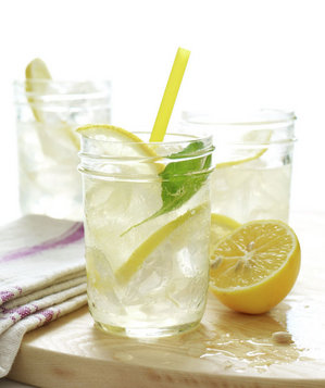 lemon-soda-tom-collins