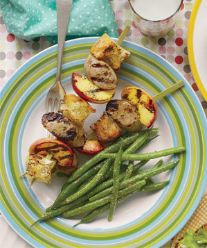 chicken-sausage-peach-skewers
