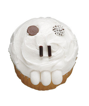 toothy-skull-cupcake