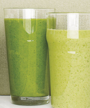 spinach-avocado-apple-smoothie