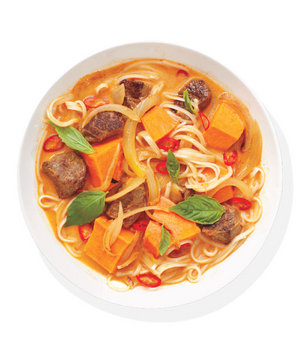 thai-red-curry-beef-soup