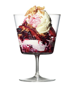 plum-blackberry-crumble-sundae