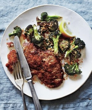 pork-cutlets-broccoli-bread-crumbs