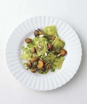 cheese-ravioli-kale-pesto-roasted-carrots