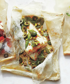 olive-snap-pea-pistachio-fish-packets