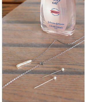 baby-oil-used-to-untagle-necklace