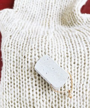 pumice-stone-used-to-restore-sweater