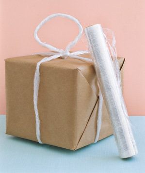 plastic-wrap-sued-to-carry-unwieldy-packages