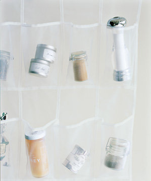 shoe-organizer-used-to-organize-spices