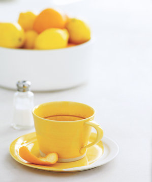 citrus-peel-used-to-remove-coffee-and-tea-stains