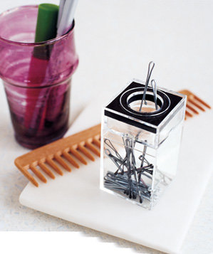 paper-clip-dispenser-used-to-stash-bobby-pins