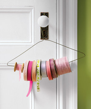 wire-hanger-used-to-dispense-ribbon