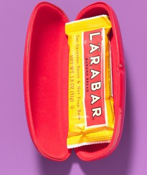eyeglasses-case-as-snack-bar-holder