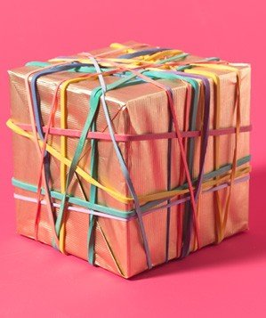 rubber-bands-as-gift-bow