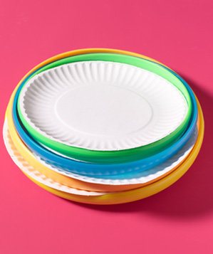 frisbee-as-paper-plate-holder