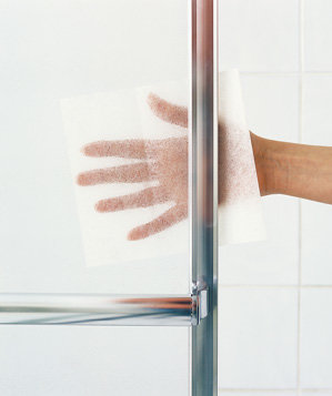 dryer-sheet-used-to-remove-soap-scum