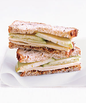 cheddar-apple-sandwich