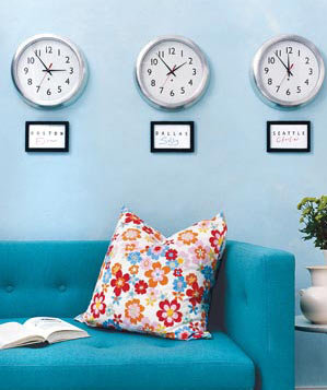 clocks-sofa-pillow