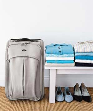 how to pack clothes in suitcase