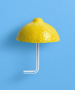 lemon-straw-umbrella