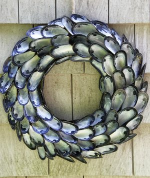 coastal-inspired-shell-wreath
