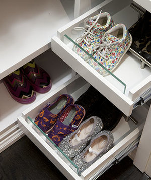 reachable-shoes-closet