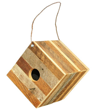 reclaimed-wood-birdhouse