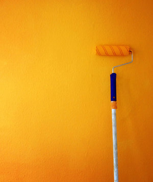 paint-roller-yellow-orange-accent-wall
