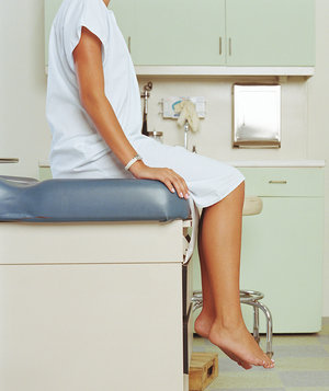 woman-at-doctor