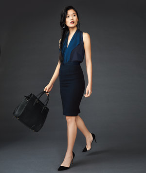 woman-navy-outfit
