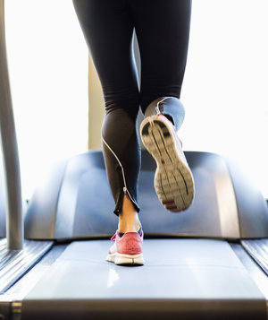 woman-running-treadmill