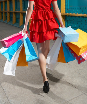 woman-shopping-obsessively