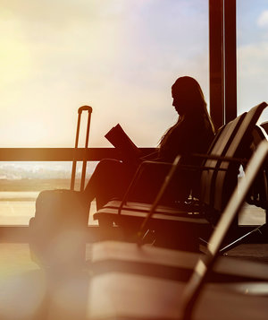 woman-waiting-for-flight
