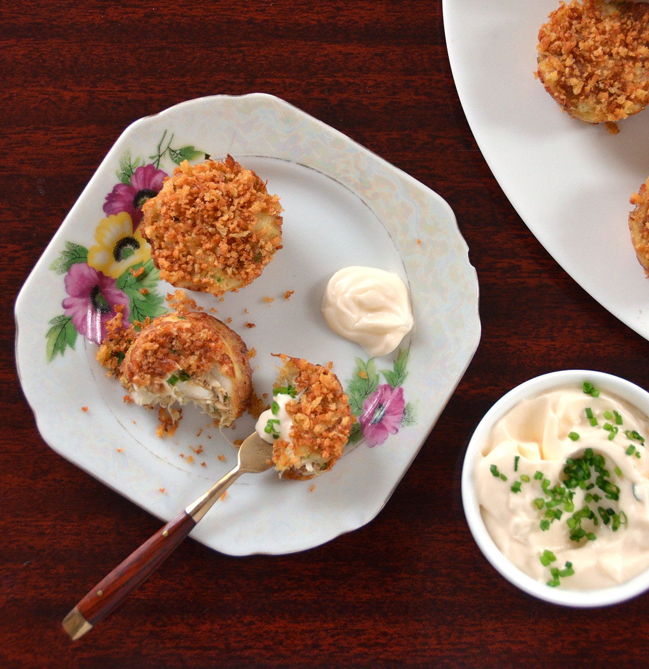 Mini Crab Cakes With Lemon Chive Mayonnaise