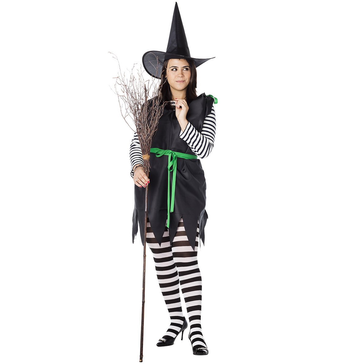 How to Make an Easy DIY Witch Costume