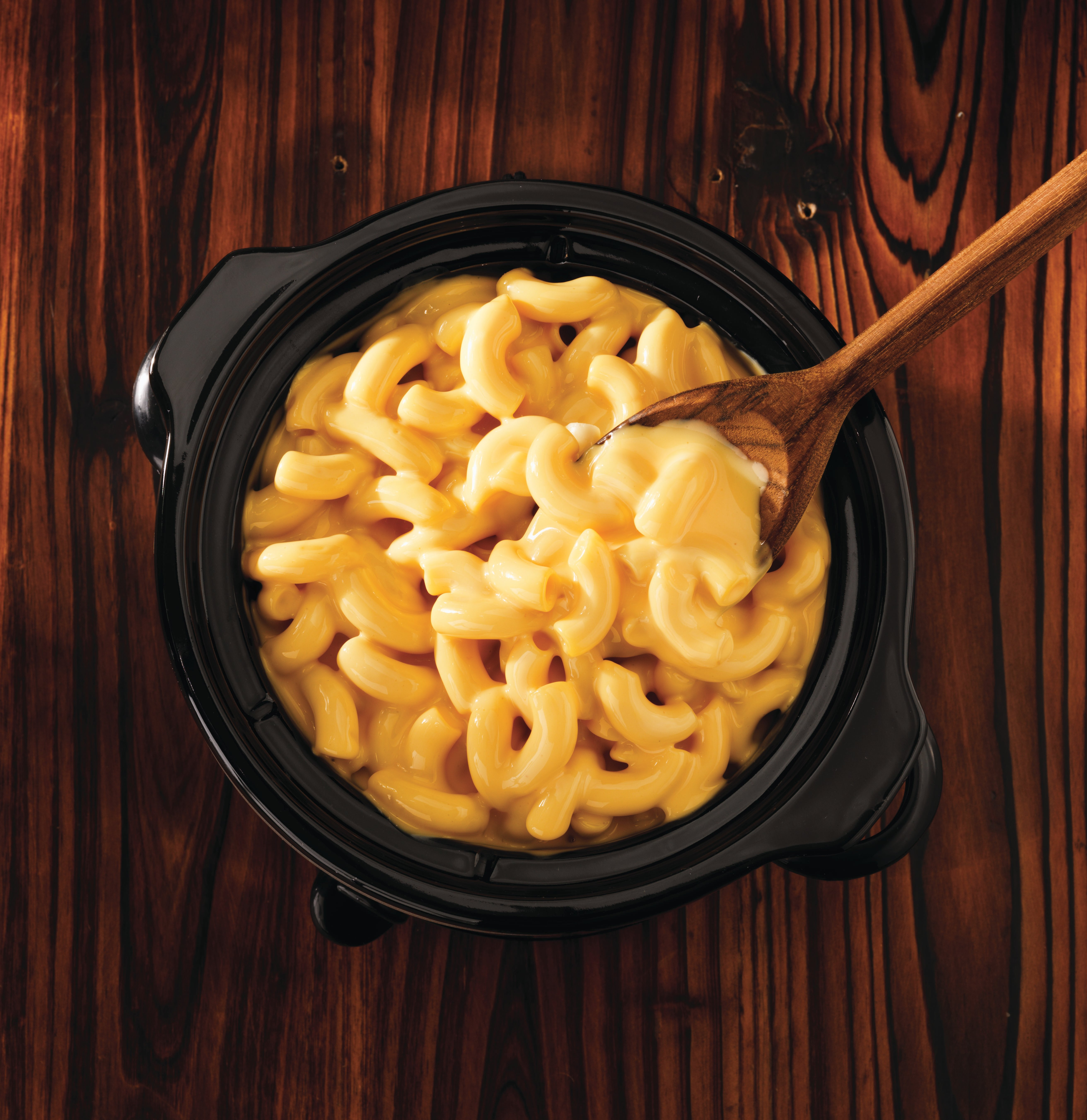 slow-cooker-velveeta-mac-and-cheese