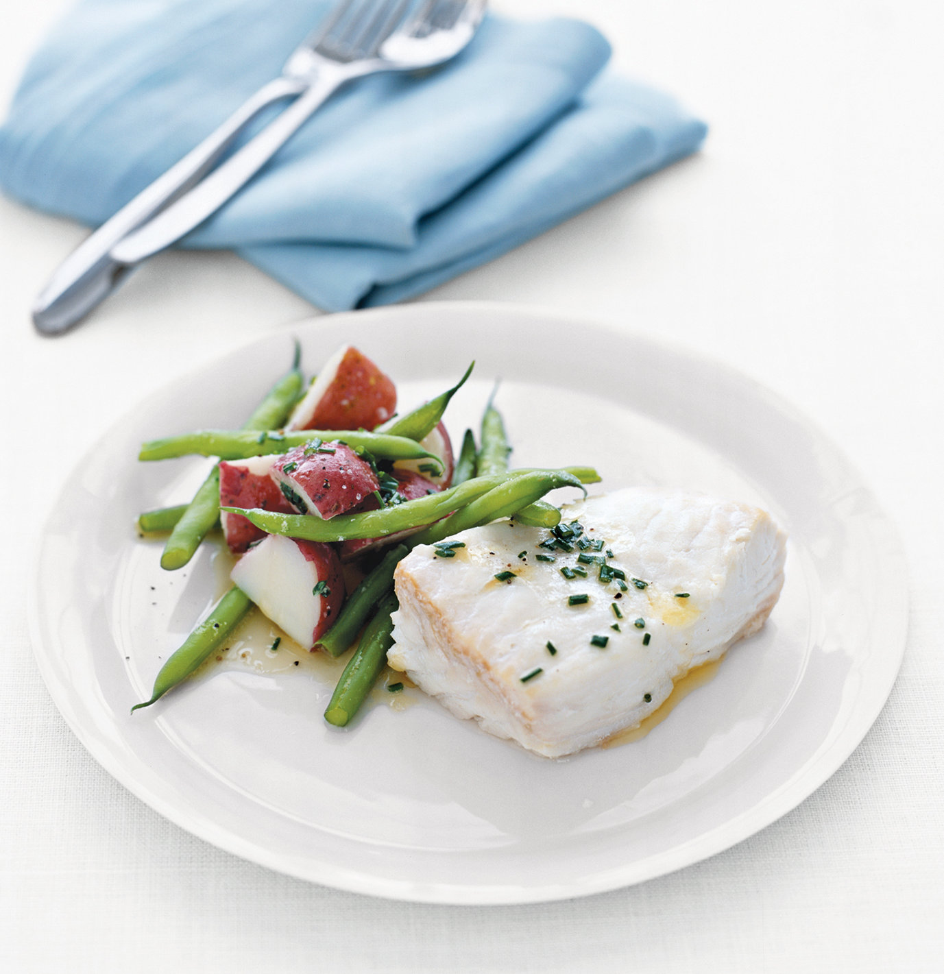 Quick Food Ideas: Poached Halibut With Green Beans and Red Potatoes