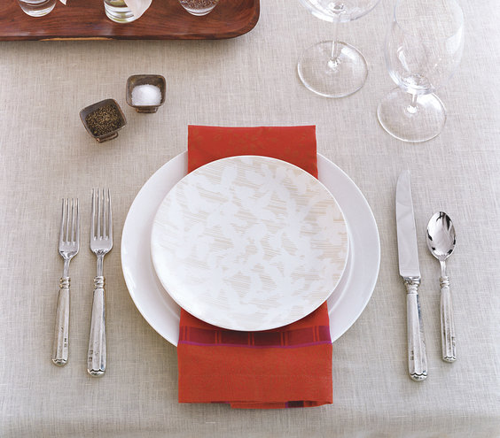 For an eye catching place setting rest a bold colored for Simple table setting