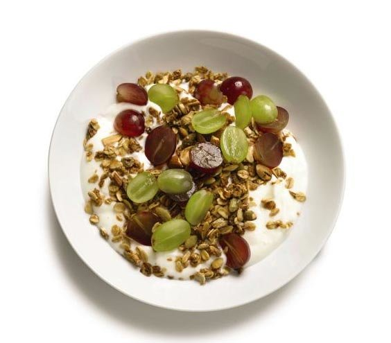 yogurt-granola