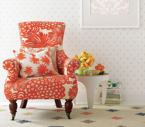 21 Easy Unexpected Living Room Decorating Ideas: Tie Together Dissimilar Patterns With A Like Element, Such