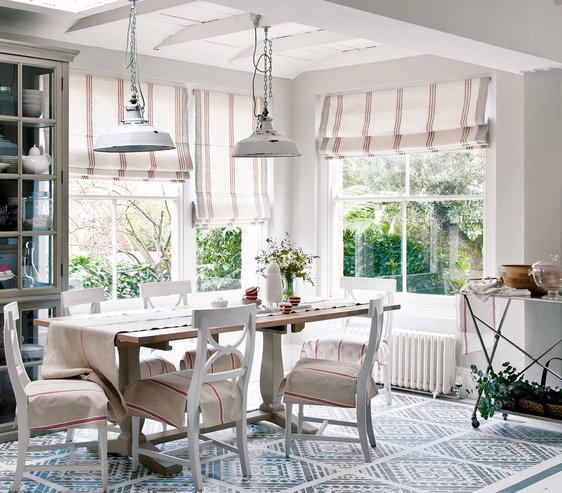 Decorating With Stripes For A Stylish Room: 32 Elegant Ideas For Dining Rooms